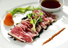 Beef tataki Seafood Dishes, Fish And Seafood, Seafood Recipes, Beef Tataki, Asian Recipes, Healthy Recipes, Great Recipes, Yummy Recipes, Recipies