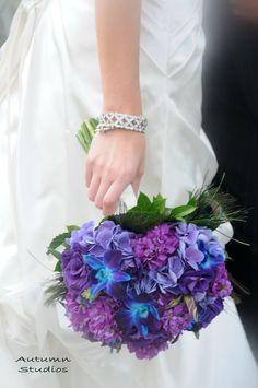 purple hydrangea wedding bouquet / http://www.deerpearlflowers.com/purple-hydrangeas-wedding-flower-ideas/