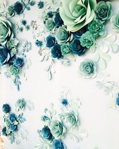Our new paper flower wall for #Lladro reminds us of tender paper lace... Each petal and leaf are hand crafted. Enjoy.. . . . #PaperFlowerWall  #paperflowerbackdrop  #editorial  #миогелери #бумажныецветы  #windowdisplay #eventplanning  #giantpaperflower  #windowswear #fashionphotography  #vitrinistika #paperwedding #photobooth #childrenphotography #setdesign #vitrinistika #vitrina #fashionphotography #editorialphotography #magazineissue #paperart #paperartist #windowdisplays #artdirection…