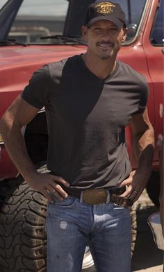 A-M-A-Z-I-N-G @TheTimMcGraw fan page with LOOTS OF HOT PICS LINK: https://instagram.com/mcgrawschesney/ CREDIT:mcgrawschesney