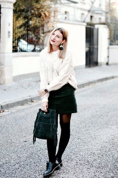 Look femme automne : grosse maille - jupe velours côtelé - manteau long beige - écharpe leopard Derby Outfits, Ootd, Leather Skirt, Winter Fashion, Fall Winter, Dressing, Textiles, Cosplay, Couture