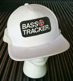 f4ed5aae45d Vintage BASS PRO SHOPS Bass Tracker Snapback Cap Truckers Hat hunting  camping  BassProShops  Trucker