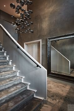 EKML / Eric Kuster / Metropolitan Luxury / The Netherlands / Hoofddorp / Private Residence / Tom Moos / Hall / Bod'or / Carpetlinq Home Interior, Interior Architecture, Open Trap, Hallway Inspiration, Beautiful Stairs, Ceiling Light Design, Tv Wall Design, Interior Paint Colors, House Goals