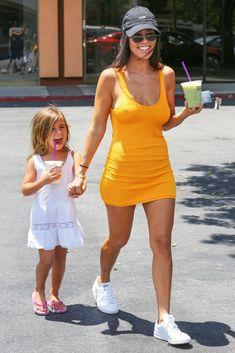 Kourtney Kardashian Style - Kourtney Kardashian Fashion Photos