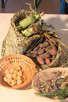 images of beautiful maori women - Google Search Creative Art, Serving Bowls, Stuffed Mushrooms, Weaving, Vegetables, Tableware, Culture, Inspiration, Image