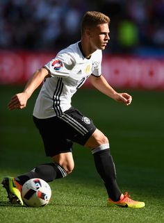 Joshua Kimmich Photos - Joshua Kimmich of Germany dives during the UEFA EURO 2016 round of 16 match between Germany and Slovakia at Stade Pierre-Mauroy on June 2016 in Lille, France. - Germany v Slovakia - Round of UEFA Euro 2016 Football Prayer, Football Fans, Joshua Kimmich, Thomas Muller, Dfb Team, Germany Football, Uefa Euro 2016, World Thinking Day, Monday Humor