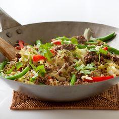 Grøntsagswok med ingefær-sojakrydret oksekød og perler