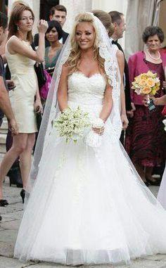 Wedding#Delia Matache Weeding, Celebrity Style, Fashion Photography, Zara, Romania, Celebrities, Wedding Dresses, Wedding Ideas, Posts