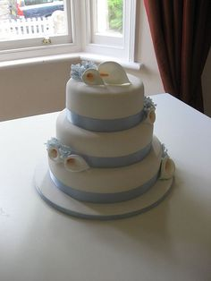 Sweet pea and Calla lily wedding cake  