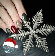 T-MINUS 1️⃣ DAY 'TIL CHRISTMAS ⭐ 📸 @bel.nailtech ❤️