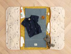 Wickeltasche - STOFF & STIL - Sewing for kids - babyausrustung Quilt Baby, Luanna, Changing Bag, Kids Board, Sewing For Kids, Diy Baby, Sewing Crafts, Diy And Crafts, Sewing Patterns