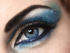 Galactic smokey shadow. Color Icon Glitter Single in Distortion