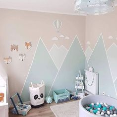 You can do a lot with paint. Design a mountain landscape in kindergarten - Kinderzimmer - Kinderzimmer Ideen Baby Bedroom, Baby Boy Rooms, Little Girl Rooms, Baby Room Decor, Baby Boy Nurseries, Nursery Room, Girls Bedroom, Nursery Furniture, Nursery Ideas