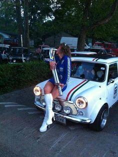 Mini Girls Mini Cooper Classic, Classic Mini, Classic Cars, Auto Rent, Mini Morris, Mini Stuff, Mini Coopers, Girl Photography Poses, Small Cars