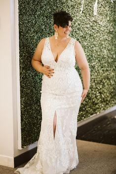 Lace mermaid style plus sized wedding dress with a deep V neckline and a high front slip. From David's Bridal. Affordable Wedding Dresses, Wedding Dresses Plus Size, Plus Size Wedding, Wedding Dress Styles, Plus Size Brides, Plus Size Gowns, Wedding Looks, Blue Wedding, Wedding Bells