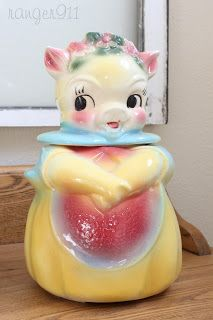 1940's American Bisque pig cookie jar - love the colors