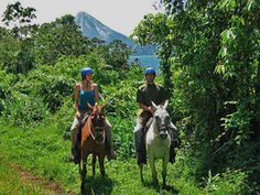 La Fortuna horseback ride- from Costa Rica Experts romantic honeymoon vacation packages