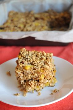 Perfect Peach and Oat Breakfast Bars.