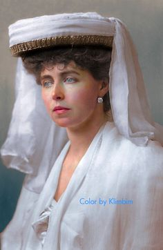 Princess Marie of Romania May European Royal Houses Colorized History, Colorized Photos, King Queen Princess, Queen Mary, Romanian Royal Family, Royal Beauty, Character Makeup, Goth Beauty, Casa Real