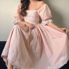 Oh-the-Dreams-I-dream — faengelia: . Pretty Outfits, Pretty Dresses, Beautiful Dresses, Cute Outfits, 1800s Fashion, Fashion Women, Vintage Princess, Pink Princess, Prom Dresses