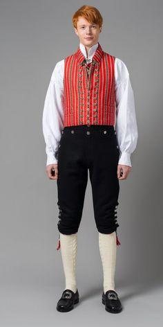 Trønderbunad med røtter i Gauldalen Norwegian Men, Norwegian Clothing, Traditional Fashion, Traditional Dresses, Folklore, Danish Men, Frozen Costume, Folk Costume, Halloween Costumes