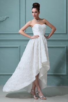 Satin kjæreste asymmetrisk a-linje brudekjole med blomster - Focus Vogue