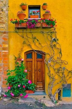 front door paint colors - Want a quick makeover? Paint your front door a different color. Here's some inspiration for you. door paint colors - Want a quick makeover? Paint your front door a different color. Here's some inspiration for you. Old Doors, Windows And Doors, Boho Home, Unique Doors, Tuscany Italy, Italy Italy, Venice Italy, Sorrento Italy, Capri Italy