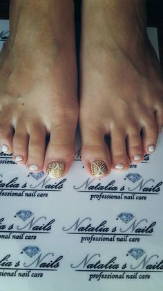 White pedicure summer nails