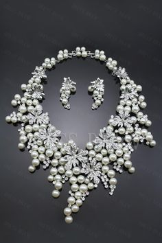 Pomposo Grape Alloy with White Pearls Jewelry Set Including Necklace and Earrings : Dressbraw.com