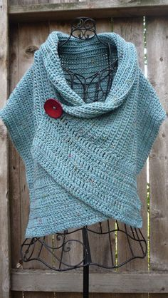 Pattern for buttoned crocheted wrap by redbootyarnworks on Etsy - looks similar to a poncho, with the button! Poncho Au Crochet, Pull Crochet, Mode Crochet, Learn To Crochet, Crochet Scarves, Crochet Clothes, Crochet Top, Hat Crochet, Beginner Crochet