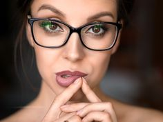 Nouvelles Close Up Portraits, Touching Herself, Optician, Modern Graphic Design, People Like, Eyeglasses, Lips, Stock Photos, Female