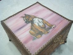 Vintage Coppery Box Raised Pattern Pink Shell Lid wth Bulldog Buttons & Misc