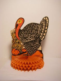 VINTAGE 1940'S 50'S BEISTLE THANKSGIVING CREPE PAPER HONEYCOMB TURKEY DECORATION