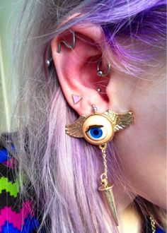 i luv this eye earring