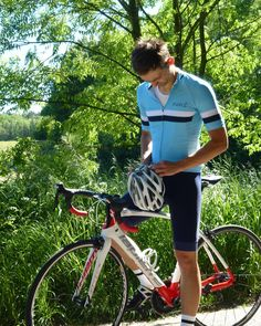 Cycling Kit from www.parle.cc