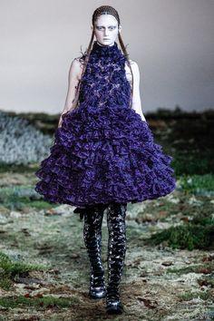 Paris Fashion Week Fall 2014 RTW: Alexander McQueen   Anibundel: Pop Culturess