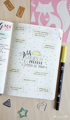 Bullet Journal : mai 2017 en photos et en vidéo ! ⋆ ZunZún Bullet Journal : mai 2017 en photos et en vidéo ! Bullet Journal And Diary, Bullet Journal Notes, Bullet Journal Themes, Bullet Journal Layout, Bullet Journal Inspiration, Organization Bullet Journal, Planner Organization, My Planner Colibri, Weekly Log