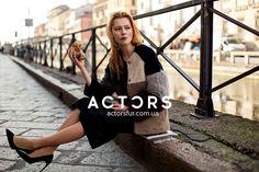 Твои предпочтения определяют тебя как человека. То где ты бываешь, с кем общаешься, что любишь кушать, во что одеваешься могут многое о тебе рассказать. Делай правильный выбор в пользу качества, стиля и индивидуальности, которые отражаются в каждой модели от ACTORS #actors#actorsfur #streetfashion #furstyle #look #mode #style #styles #fashionstyle #fashionworld #мехакиев #шубакиев #mifur2018 #fur2018 #fashionista Fashion Week 2018, Milan Fashion, Chanel, Actors, Tote Bag, Sweaters, Bags, Dresses, Handbags