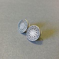 Silver Metal Filigree Stud Post Earrings by AuntieBeths on Etsy, $14.50