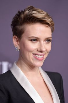 Scarlett Johansson in Atelier Versace Scarlett Johansson Photo HAPPY DHANTERAS WISHES AND GREETINGS CARDS PHOTO GALLERY  | PBS.TWIMG.COM  #EDUCRATSWEB 2020-05-12 pbs.twimg.com https://pbs.twimg.com/media/CTYyEntUcAA4PSL.jpg