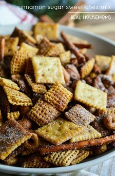 Make this CINNAMON SUGAR SWEET CHEX MIX recipe for a new twist on the original version. All of the great Chex Mix crunch with a cinnamon sugar coating! One of my favorite holiday traditions is Chex Mix. Trail Mix Recipes, Snack Mix Recipes, Yummy Snacks, Snack Mixes, Chex Recipes, Recipies, Fruit Snacks, Easy Snacks, Buffet