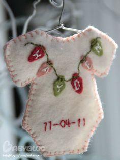 Милая идея в детскую комнату к рождению малыша. Фетр, ниточки, проволока и желание)))