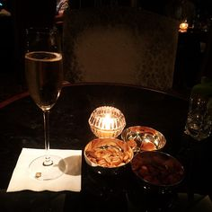 Let's toast to happy hour at the Horizon Club.  Thank you @dottygumdrop for sharing your glass of champagne with us! Cin cin!
