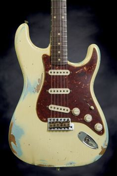 New Fender Custom Shop circa 62 Stratocaster - Aged White over Sonic Blue