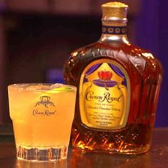 The Crown Royal Press drink recipe makes the most of Crown Royal Canadian whisky. It's a delicious, refreshing cocktail , with bitters, lemon and other citrus ingredients. It's a little bit tart, sweet and just a little bit smoky. Crown Royal Vanilla Recipes, Crown Vanilla, Alcohol Drink Recipes, Vanilla Fruit, Bourbon Cocktails, Whiskey Drinks, Cocktail Drinks, Scotch Whiskey, Party