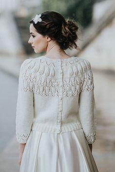 cardigan mariée tricot mariée pull mariee pull pour la mariée, en laine  merinos paulette, accessoire de mariage Créatrice robe de mariée sur mesure  à lyon ... 418b7491aed4