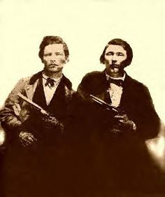 Frank & Jesse James Inventors of the bank robbery and also innovators since they actually robbed banks.possible cousins John Wayne Gacy, Ted Bundy, Bonnie Clyde, Jeffrey Dahmer, American Civil War, American History, Jesse James Outlaw, Wild West Outlaws, Billy The Kid