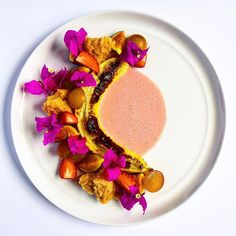 Broiled banana • Strawberry coconut cream • Strawberry sponge • Muscadine grapes • Fig #spicepopup