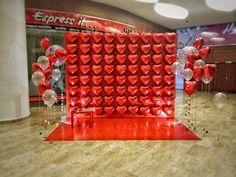 Diy Valentine's Day Decorations, 1st Birthday Decorations, Valentines Day Decorations, Balloon Decorations, Valentines Photo Booth, Valentines Balloons, Valentines Diy, Ballon Backdrop, Big Balloons