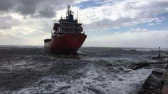 Cronaca: #01:00 | #Livorno disincagliato cargo: si era arenato venerdì per il maltempo (link: http://ift.tt/2jNM2Qe )